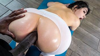 Valentina Nappi com o negro dotado