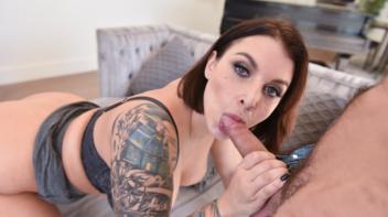 Madura tatuada bem safada fudendo com novinho