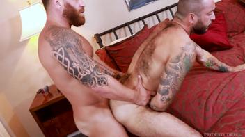 Julian Torres e Riley Mitchel's sexo gay
